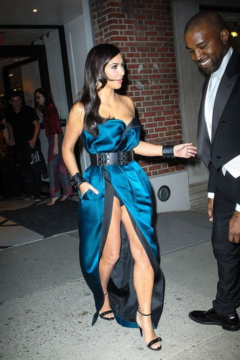 kim kardashian looks hot even while suffering a wardrobe malfunction