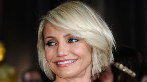 <p>A blunt cut will make straight, fine hair seem fuller. You can ask for a few long layers to add body and movement to the style, but too many will cause your hair to look stringy. A long, sweeping bang is also adds a sexy touch to the style, like Cameron Diaz's.<br /><br /></p>