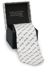 <p>A 100 percent silk tie with an adorable message for papi on the inside. </p>