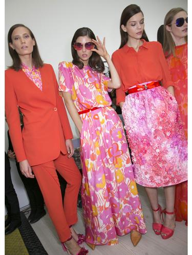 Eyewear, Textile, Red, Outerwear, Sunglasses, Pink, Style, Bag, Magenta, Fashion,