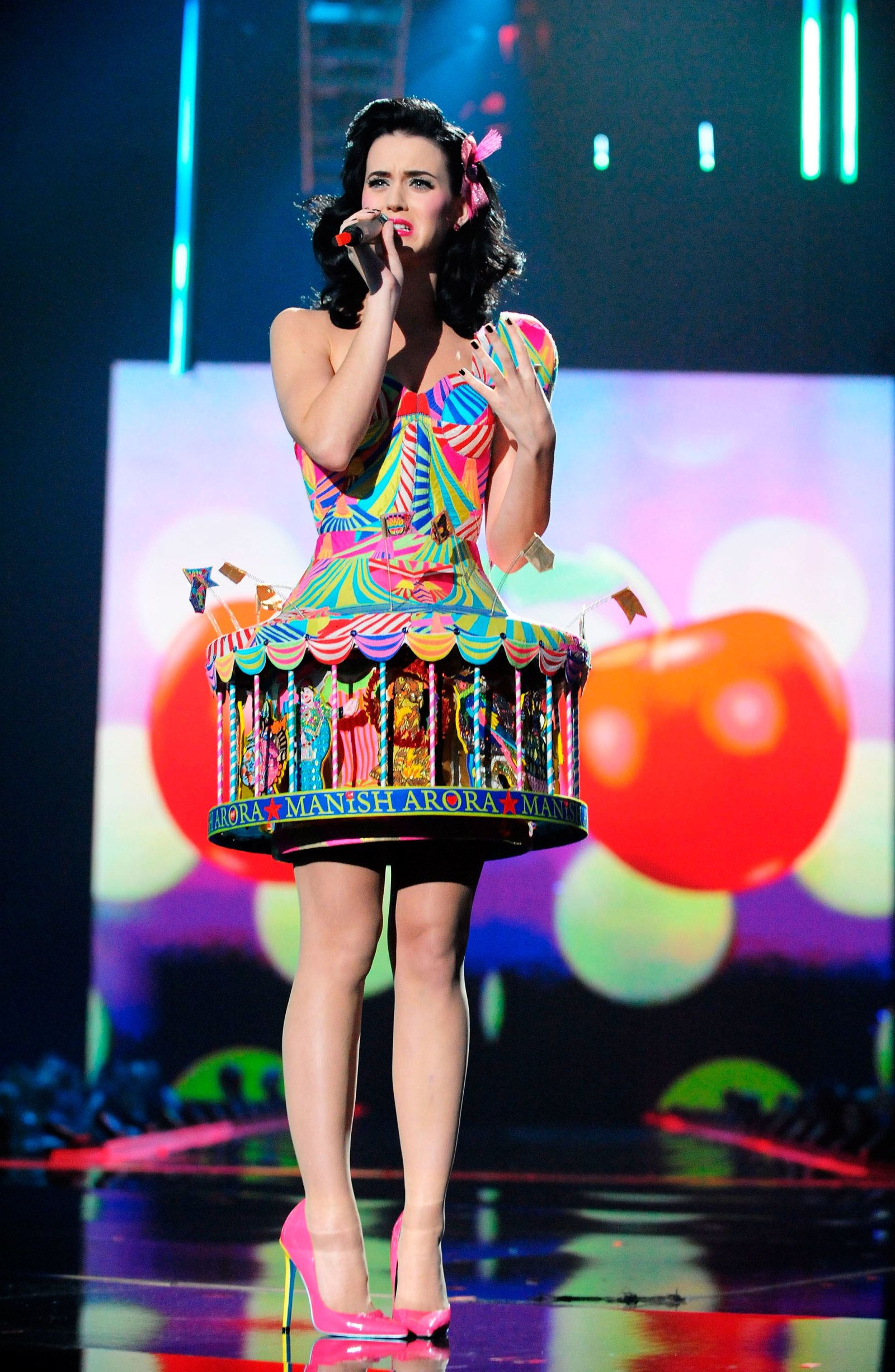 Katy Perry S Craziest Most Fun Outfits Celebrity Fashion Cosmopolitan Co Uk