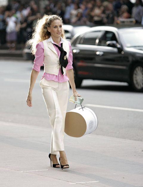 Drum, Membranophone, Outerwear, Musician, Musical instrument, Waist, Street fashion, Fashion, Knee, Beige,