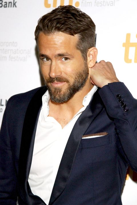 Ryan Reynolds REALLY knows how to work a red carpet