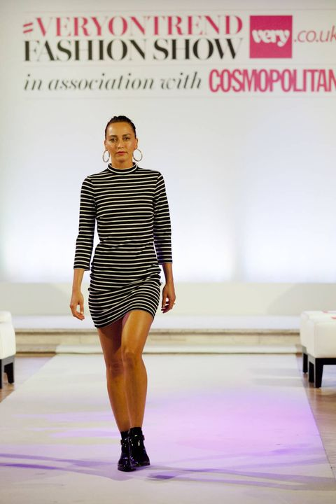 Sleeve, Human body, Shoulder, Human leg, Fashion show, Dress, Joint, Style, High heels, Fashion model,
