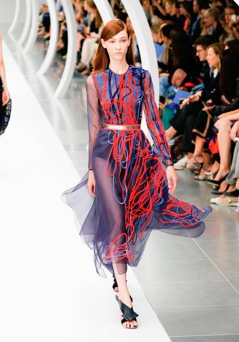 Fashion show, Shoulder, Runway, Joint, Dress, Fashion model, Style, One-piece garment, Waist, Fashion,