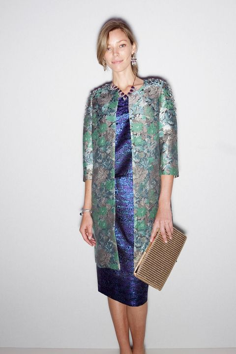 Clothing, Sleeve, Shoulder, Textile, Joint, Standing, Bag, Dress, Style, Pattern,
