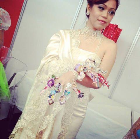Clothing, Shoulder, Textile, Dress, Bridal clothing, Bridal accessory, Wedding dress, Fashion accessory, Jewellery, Bride,