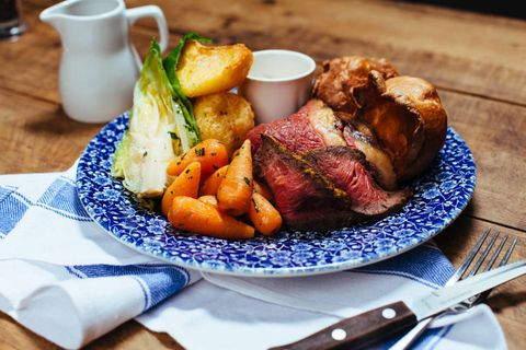 The Internet Is Arguing Over What Constitutes A Proper Roast Dinner