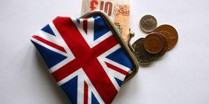 Union Jack purse with money
