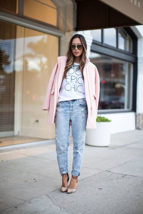 Clothing, Sleeve, Denim, Trousers, Human body, Shoulder, Jeans, Textile, Sunglasses, Joint,