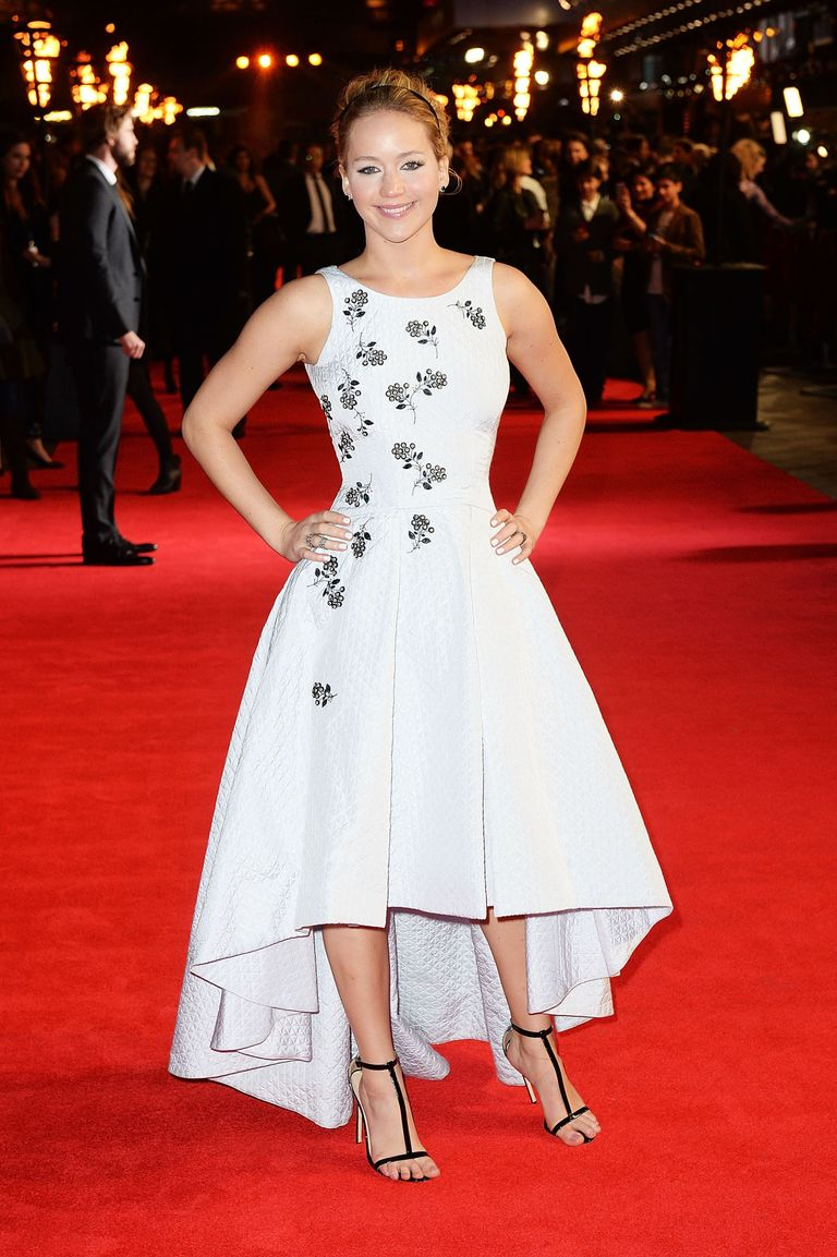 Jennifer Lawrence dazzles in white at the Hunger Games: Mockingjay ...