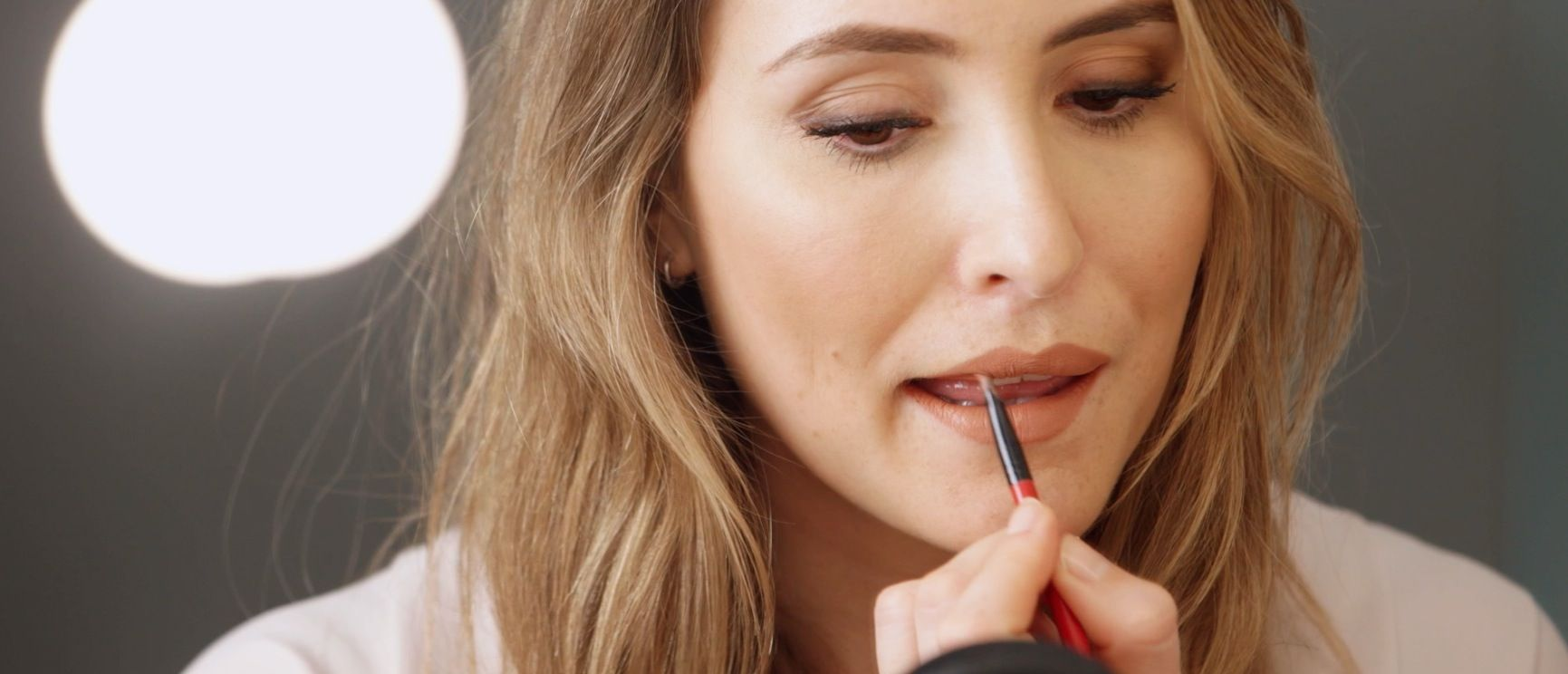 0e5ecda2840 10 ways to make your makeup last all day