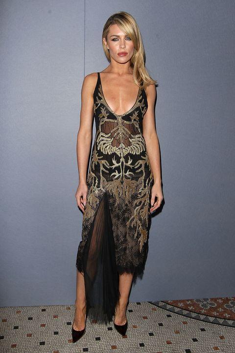 Shoulder, Joint, Dress, One-piece garment, Day dress, Neck, Jewellery, Sandal, Waist, Fashion model,