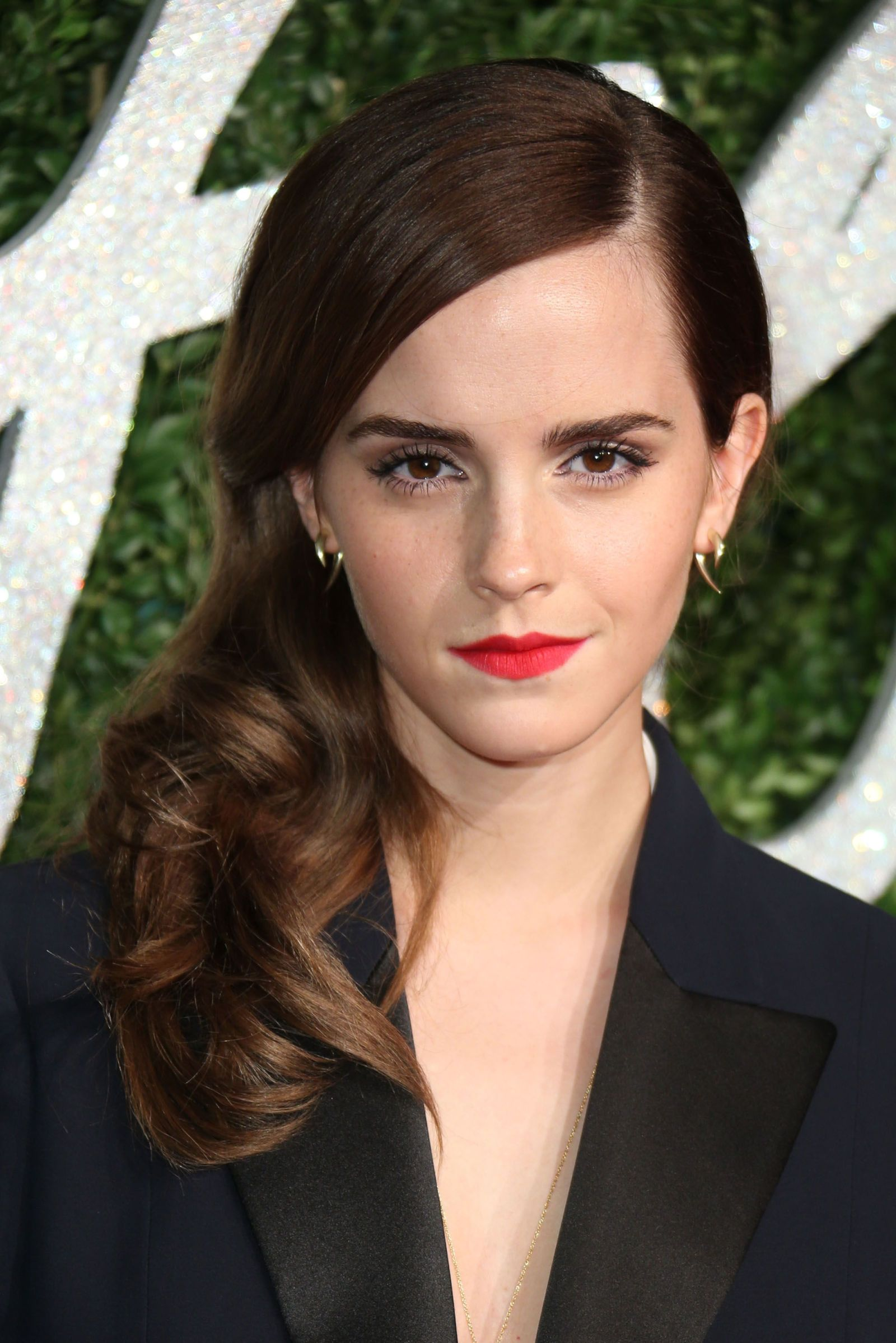 Emma Watson has just re,joined the bob brigade
