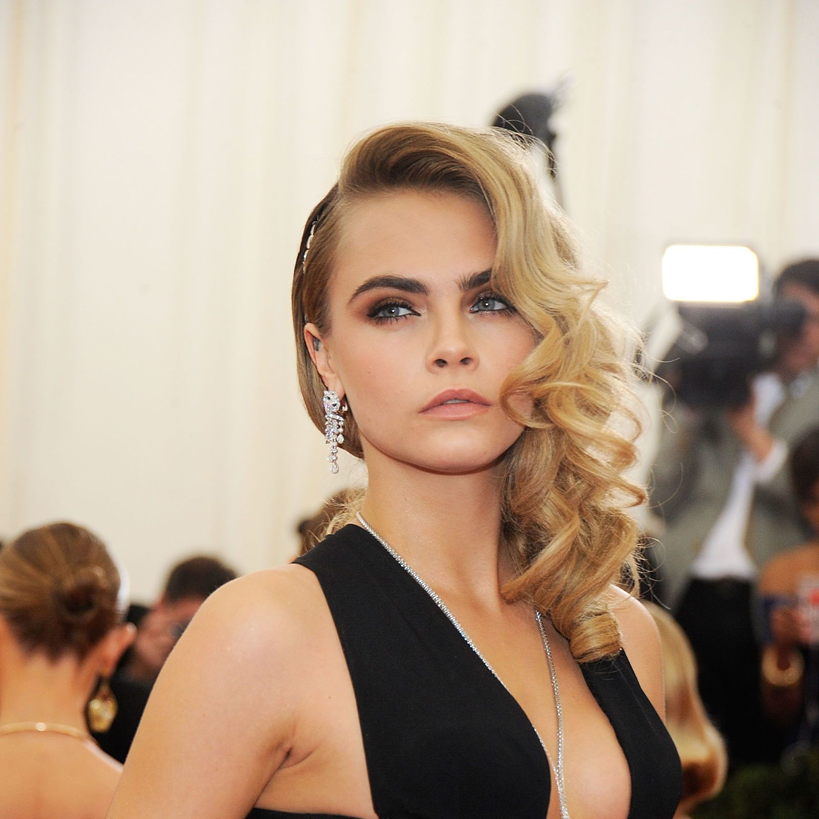 Cara Delevingne party hair inspiration - and how to recreate the hairstyles - best celebrity party hairstyles 2014