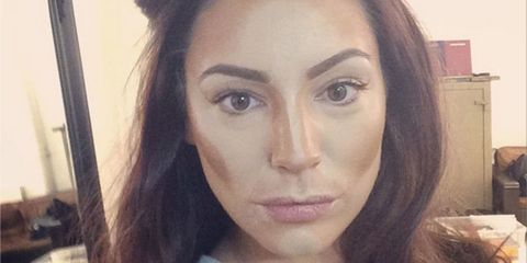 Kelly Brook shares her contouring how-to