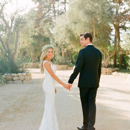 High School Musical acress Ashley Tisdale shared the beautiful snaps of her wedding day on Instagram and we couldn't have been more pleased. The star wore TWO dresses on her big day, including this simple stunner by Monique Lhuillier.
