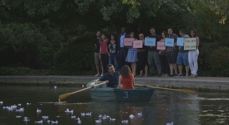Man Recreated The Notebook Rowing Boat Scene To Propose