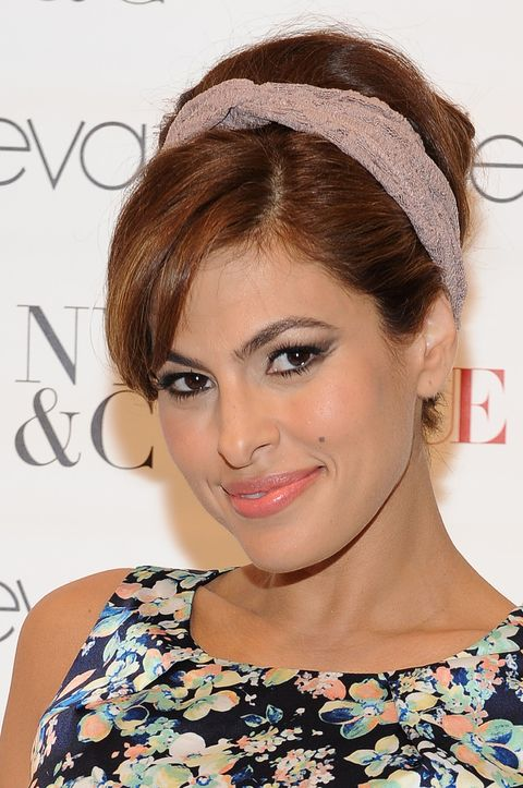Eva Mendes - 11 celebrities with gorgeous beauty spots