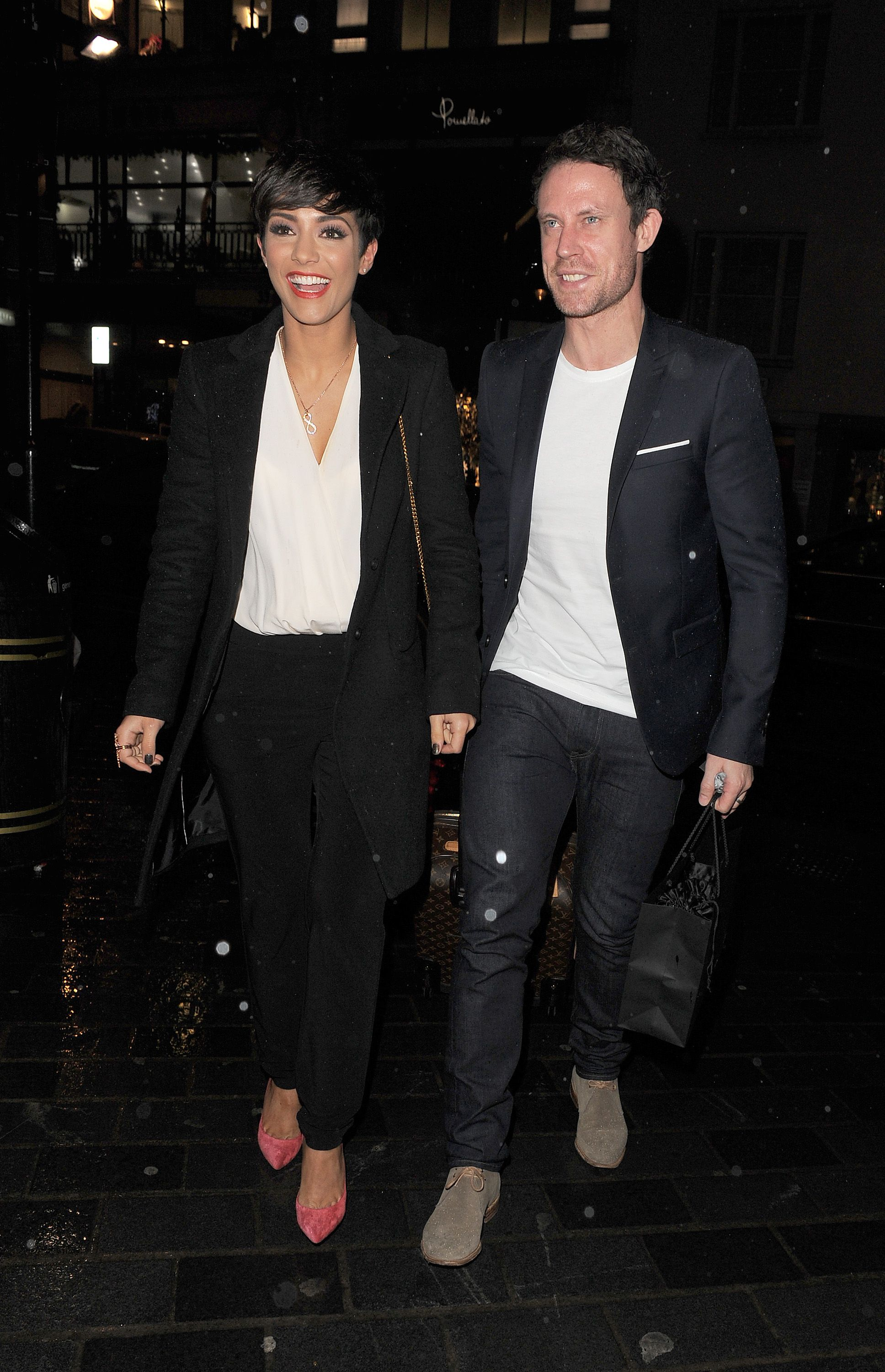 Frankie Bridge adorably shows off her ever-growing baby bump recommend