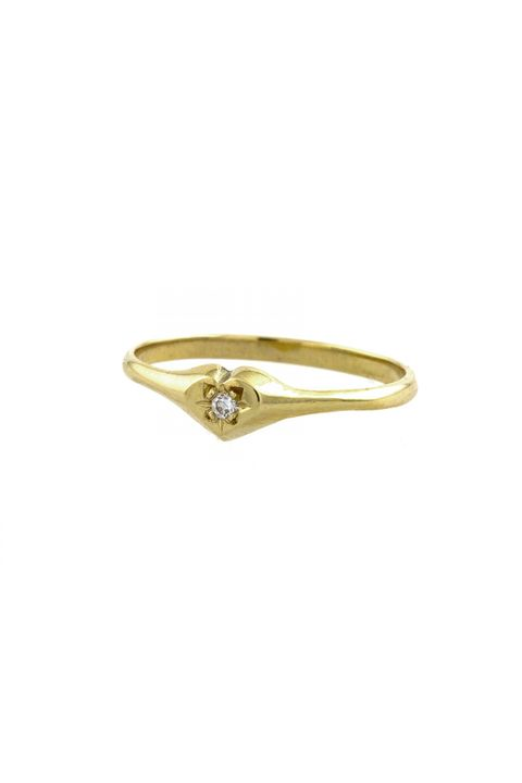 Jewellery, Pre-engagement ring, Ring, Fashion accessory, Engagement ring, Amber, Metal, Body jewelry, Natural material, Diamond,