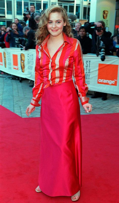 Human, Flooring, Hairstyle, Premiere, Dress, Carpet, Outerwear, Red, Coat, Style,