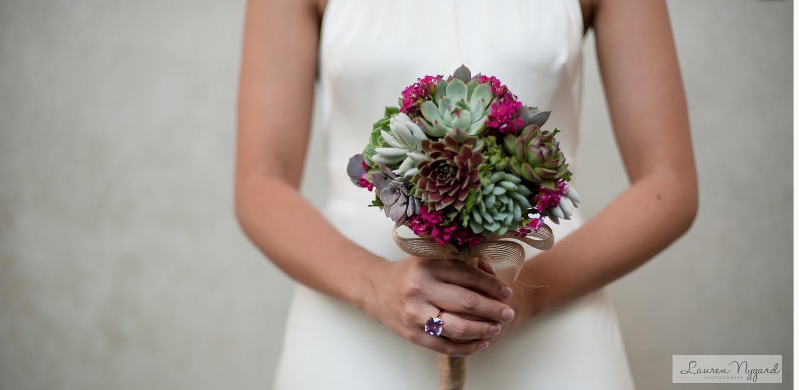 17 alternative wedding bouquets for brides that think flowers are a 17 alternative wedding bouquets for brides that think flowers are a bit meh izmirmasajfo