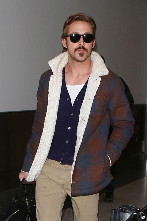 Ryan Gosling in LA airport