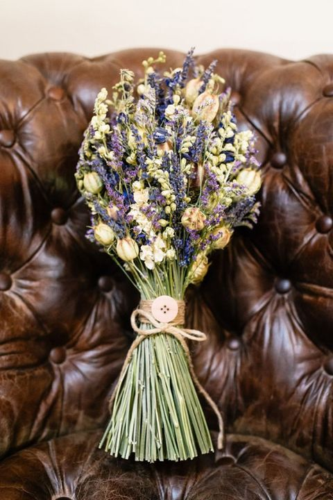 17 alternative wedding bouquets for brides that think flowers are a ...