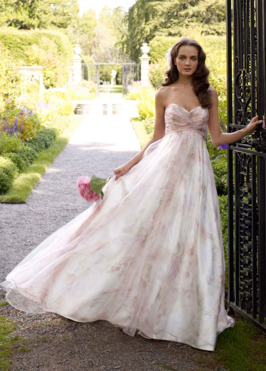 Mon traditional wedding dress ideas for ballsy brides junglespirit