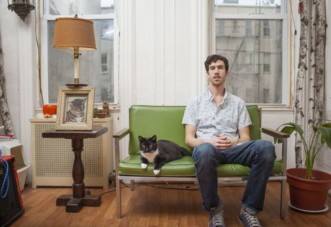 This photographer who wants to challenge the crazy cat lady stereotypes