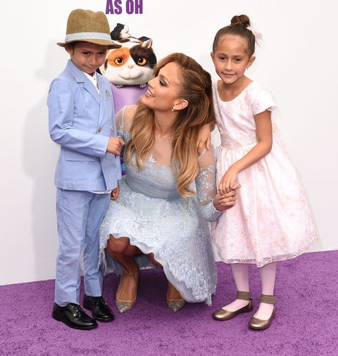 Jennifer Lopez is adorable with her twins on the red carpet