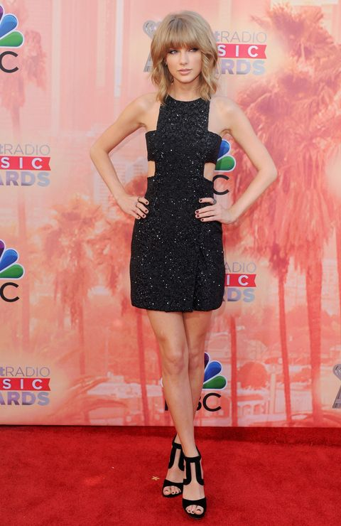 Taylor Swift on the red carpet at iHeartRadio Music Awards
