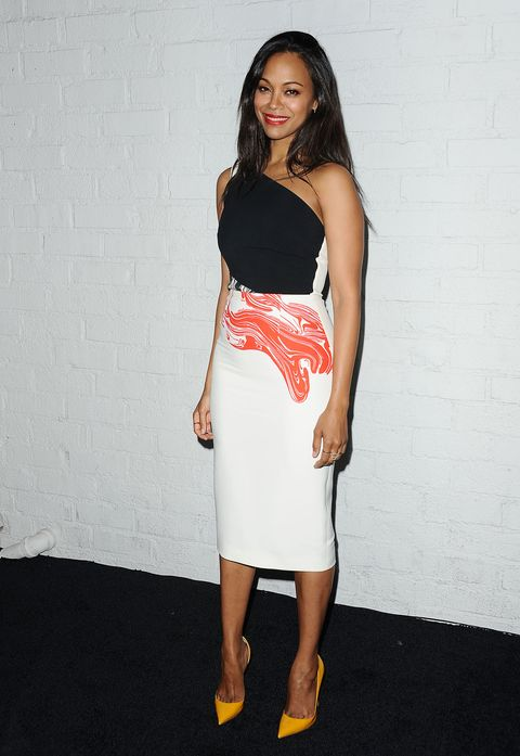 Zoe Saldana wears a squiggly design dress for the Samsung of the Galaxy S 6