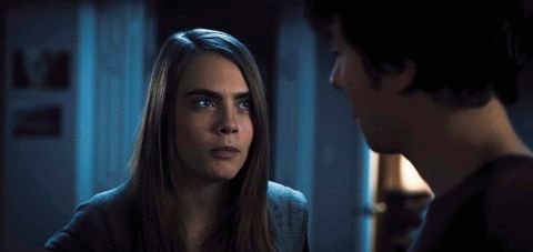 Cara Delevingne makes a SERIOUS prankster in the new Paper Towns clip