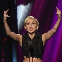 Miley Cyrus armpit hair