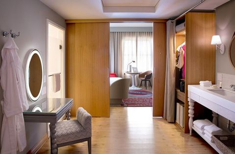 Richard Branson launches 'female friendly hotel rooms' with lube and vibrators