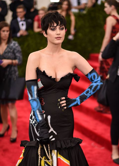 Katy Perry shows off short hair at the Met Gala 2015