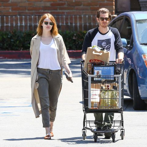 Emma Stone and Andrew Garfield go grocery shopping