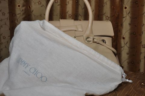 Keep your bag protected in a dust bag