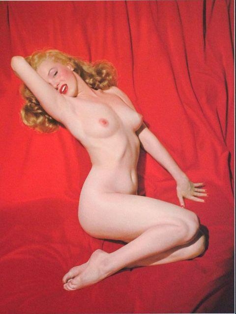 gallery-1438334618-marilyn-monroe-naked-