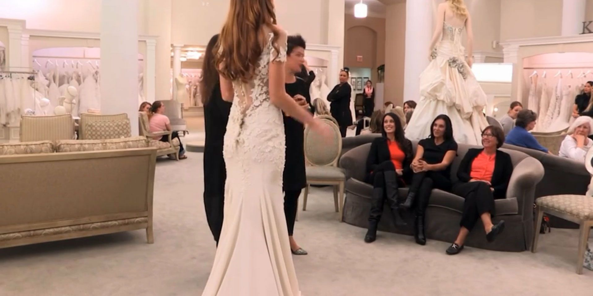 Is THIS Jennifer Aniston\'s actual wedding dress at last?