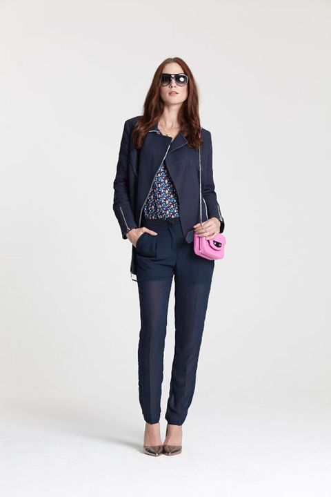 "<a target=""_blank"" href=""http://www.brandalley.co.uk/private-sales/live-from-the-catwalk.html"">SHOP THE LOOK</a>"