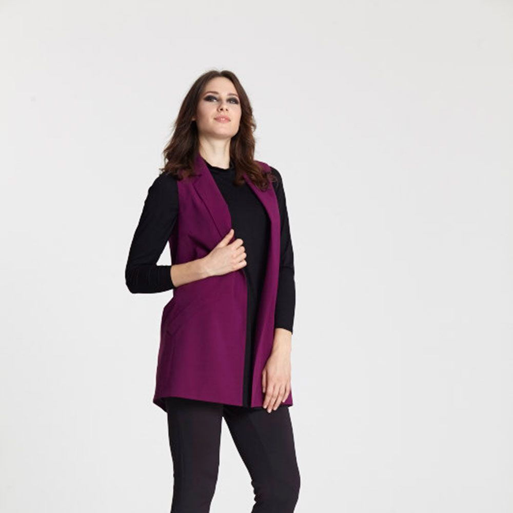 "<a target=""_blank"" href=""http://www.evans.co.uk/en/evuk/product/clothing-250468/as-seen-on-the-catwalk-4743483/evans-plum-sleeveless-jacket-4742140?bi=1&amp&#x3B;ps=20&amp&#x3B;cat1=209427&amp&#x3B;cat2=2577822&amp&#x3B;productId=21367954&amp&#x3B;cmpid=par_1_cosmo_wk3_fashfest_03J22TPLE"">Buy the sleeveless jacket</a>, <a target=""_blank"" href=""http://www.evans.co.uk/en/evuk/product/clothing-250468/as-seen-on-the-catwalk-4743483/evans-black-scoop-camisole-4621121?bi=1&amp&#x3B;ps=20&amp&#x3B;cat1=209427&amp&#x3B;cat2=2577822&amp&#x3B;productId=20740016&amp&#x3B;cmpid=par_1_cosmo_wk3_fashfest_08B89SBLK"">shirt</a>, <a target=""_blank"" href=""http://www.evans.co.uk/en/evuk/product/clothing-250468/as-seen-on-the-catwalk-4743483/evans-black-pocket-detail-jeggings-2247585?bi=1&amp&#x3B;ps=20&amp&#x3B;cat1=209427&amp&#x3B;cat2=2577822&amp&#x3B;productId=11953806&amp&#x3B;cmpid=par_1_cosmo_wk3_fashfest_34S16PBLK"">trousers</a> and <a target=""_blank"" href=""http://www.evans.co.uk/en/evuk/category/clothing-250468/as-seen-on-the-catwalk-4743483?cat1=209427&amp&#x3B;cat2=2577822&amp&#x3B;cmpid=par_1_cosmo_wk3_fashfest_blacksandal"">heels</a>"