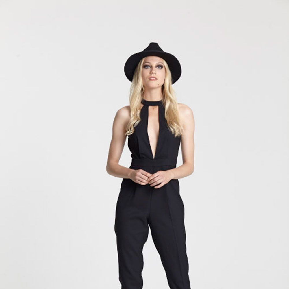"<a target=""_blank"" href=""https://goo.gl/n83IRh"">Black jumpsuit</a> and <a target=""_blank"" href=""https://goo.gl/m5KKMw"">heels</a>"