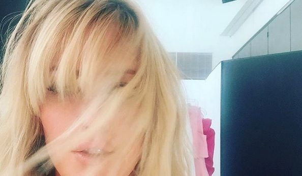 Ellie Goulding Got A Fringe Cut By Hollywood S Hottest Hairstylist