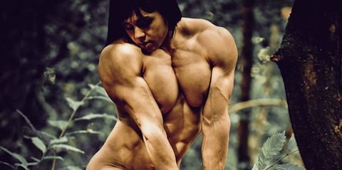 This female bodybuilder's muscles are a whole other level of huge