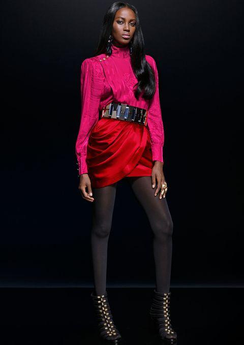 Human leg, Fashion model, Magenta, Fashion accessory, Jewellery, Fashion, Thigh, Waist, Knee, Model,