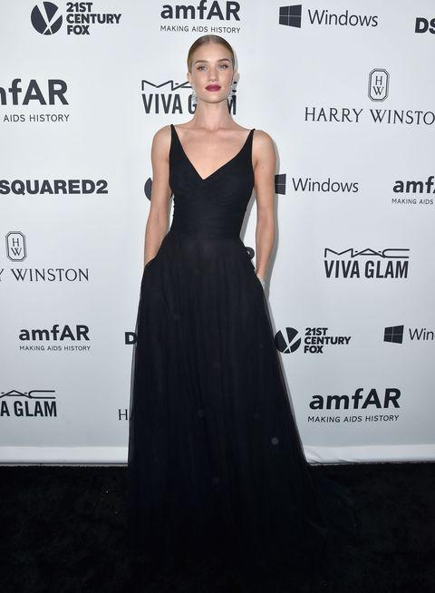 Clothing, Human, Dress, Shoulder, Premiere, Style, One-piece garment, Formal wear, Fashion model, Cocktail dress,