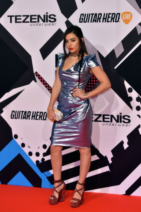 MTV EMAS 2015 red carpet